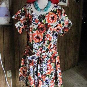 UMGEE  LADIES SPRING/SUMMER SHORT SLEEVED DRESS  B
